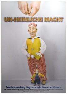 """Austellung """"UN-HEIMLICHE MACHT"""""""